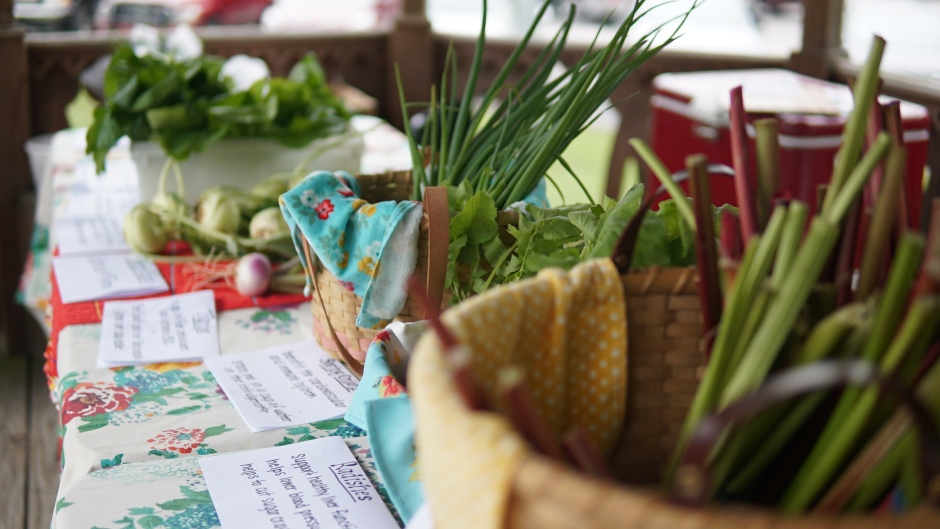 Rob FARMacy photo 3 - baskets and signs full table